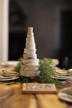 Ergänzen Sie die Tischdeko um einen selbstgemachten Weihnachtsbaum