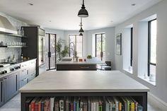 Kitchen in Brooklyn, NY by Elizabeth Roberts Architecture & Design Interior Exterior, Kitchen Interior, Kitchen Design, Kitchen Ideas, Kitchen Inspiration, Design Inspiration, Kitchen Layout, Interior Inspiration, Brownstone Interiors