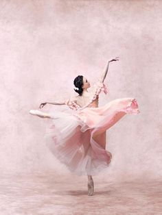 Beautiful Pink #Ballerina  Lovely soft and feminine picture.