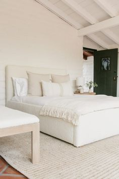 Home Decor Bedroom, Bedroom Furniture, Bedroom Ideas, Dark Grey Carpet Bedroom, Dream Home Design, New Home Designs, Beautiful Bedrooms, New Room, House Rooms