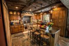 Most Gorgeous Rustic Kitchen Cabinet Design Ideas To Inspire You Rustic Cabin Kitchens, Modern Rustic Homes, Rustic Kitchen Design, Interior Design Kitchen, Kitchen Designs, Kitchen Ideas, Rustic Farmhouse, Rustic Cafe, Rustic Design