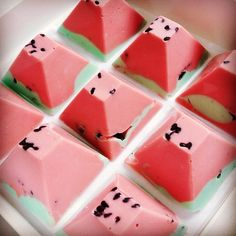 Have you tried the delectable Nectar and Stone chocolate creations? Recently celebrating a year of fresh  luxurious desserts, like these watermelon flavoured Oreo chocolates which make gorgeous wedding bonbonnieres. Find more wedding inspiration #fromthomas – on Pinterest and http://instagram.com/thomasjewellers/ #thomasjewellers