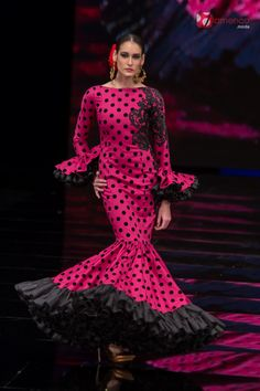 8a154552a 9 Best Abayas images   Abayas, Couture, Fashion show