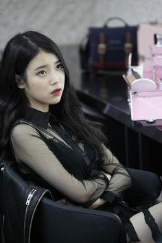 ღ Usagi Jieun ღ added a new photo. Korean Celebrities, Korean Actors, Kpop Girl Groups, Kpop Girls, Korean Girl, Asian Girl, Concert Looks, Sung Kyung, Moon Lovers