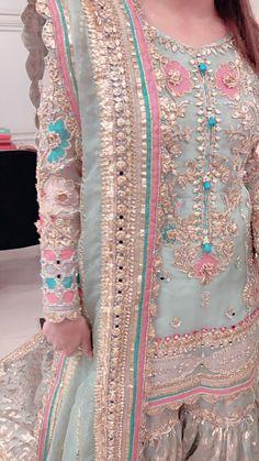 Pakistani Party Wear Dresses, Simple Pakistani Dresses, Pakistani Wedding Outfits, Designer Party Wear Dresses, Pakistani Bridal Dresses, Pakistani Dress Design, Fancy Dress Design, Stylish Dress Designs, Indian Fashion Dresses