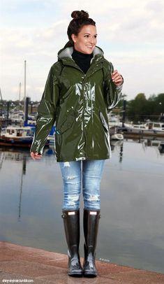 Rain coat For Women 2020 - Cute Rain coat Outfit - Rain coat Blue - Rain coat Outfit College - - Rain coat Oversized Raincoat Outfit, Green Raincoat, Hooded Raincoat, College Outfits, Kids Outfits, Wellies Rain Boots, Snow Boots, Rain Gear, Raincoats For Women