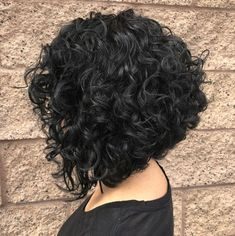 60 Styles and Cuts for Naturally Curly Hair Inverted Black Bob for curly hair Curly Hair With Bangs, Short Wavy Hair, Black Curly Hair, Curly Hair Cuts, Curly Hair Styles, Long Curly, Thick Hair, Medium Curly, Bobs For Curly Hair