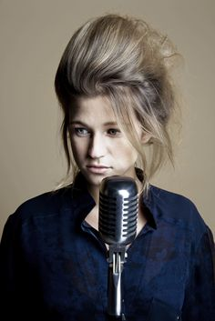 I am absolutley obsessed with this girls music. Selah Sue