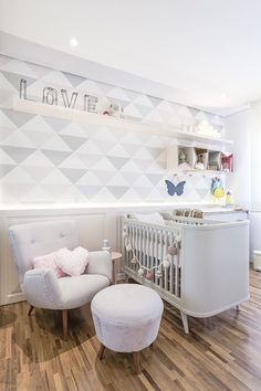 decor: girl nursery - Style It Up