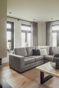 Modern Country Style, Brown And Grey, New Homes, Couch, Living Room, Interior, Furniture, Wood, Home Decor
