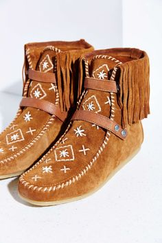 Women S Handmade Leather Beaded Wool Lined Moccasin Boots