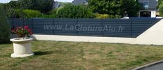 Découvrez notre Clôture Aluminium en Kit. Découpe facile, vous remarquerez l'ajustement sur le muret en pente. Outdoor Furniture Sets, Outdoor Decor, Fence Design, Fences, Kit, Photos, Home Decor, Carport Garage, Composite Fencing