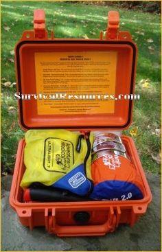 SURVIVAL KIT POUCH PLUS™  de Survival Resources.  Kit de survie dans une valise étanche Pélican. La qualité américaine... 289.95 $