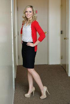 Nice 32 Elegant Black Pencil Skirt Outfit Ideas. More at http://trendwear4you.com/2017/12/19/32-elegant-black-pencil-skirt-outfit-ideas/