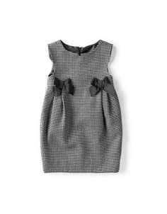 Inspiration for Oliver + S gingham bubble dress with grosgrain or petersham ribb … - Baby Dress Little Girl Dresses, Nice Dresses, Girls Dresses, Dresses For Kids, Baby Dresses, 50s Dresses, Elegant Dresses, Look Fashion, Fashion Kids