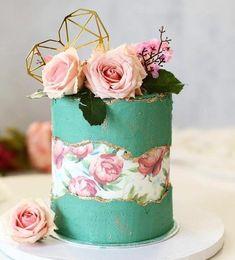 Fault Line Cake mit Vintage-Flair mit rosen und geometrischer Deko in Herzform Gorgeous Cakes, Pretty Cakes, Cute Cakes, Amazing Cakes, Cake Decorating Techniques, Cake Decorating Tips, Cake Blog, Cake Trends, Painted Cakes
