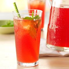 21 Favorite Iced Tea Recipes - Relax with a tall, refreshing glass of iced tea this summer. Try one of these homemade recipes for sweet tea, raspberry tea, mint tea and more. Iced Tea Recipes, Rhubarb Recipes, Fresco, Raspberry Rhubarb, Rhubarb Tea, Rhubarb Syrup, Strawberry, Party Drinks Alcohol, Alcoholic Cocktails