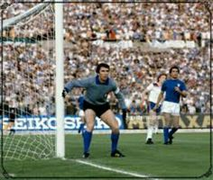 Italy 1 England 0 in 1980 in Turin. Dino Zoff guards his near post as England attack in Group B at Euro '80.