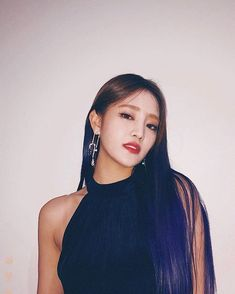 Minnie Nicha Yontararak - Minnie (G)-Idle) Kpop Girl Groups, Korean Girl Groups, Kpop Girls, Rapper, Fandoms, Extended Play, Cube Entertainment, Soyeon, Celebs
