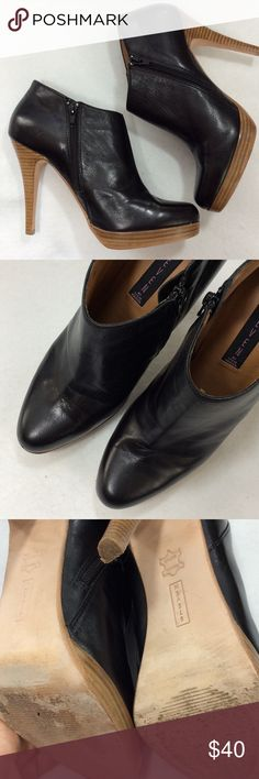 "Steve Madden Leather Bootie Beautiful black leather bootie with full leather lining and leather sole. Inside zipper ensures stability, stunning 5"" tapered heel with .5"" front platform. Beautiful condition, true to size 9.5. Steve Madden Lipstik Steven by Steve Madden Shoes Ankle Boots & Booties"