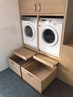 demir Like the pull out platform/shelf for loading and unloading, setting basket down,. Mudroom Laundry Room, Laundry Room Layouts, Laundry Room Remodel, Laundry Room Organization, Organization Ideas, Utility Room Storage, Utility Room Designs, Modern Laundry Rooms, Laundry Room Inspiration