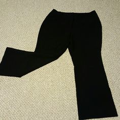 Worthington Size 16S Curvy Fit Black Trouser Pant Grab these rare trousers today! They are curvy fit for the lady with hips and thighs. Worthington Pants Trousers