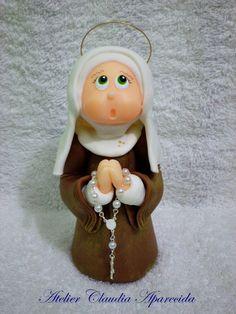 Santa Alice  modelada em biscuit com características infantis.  Elo7 - Atelier Claudia Aparecida