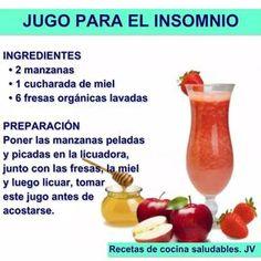 Delicioso jugo natural para el insomnio a base de manzana, miel y fresas. #jugo #insomnio #remedios