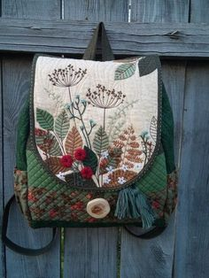 Handbags - I think they were my first fashion love (and if I had design skills, I would love to beco Patchwork Bags, Quilted Bag, Borboleta Diy, Wool Applique Patterns, Embroidery Bags, Fabric Bags, Hand Quilting, Handmade Bags, Purses And Bags
