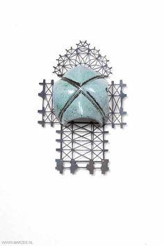 Vera Siemund - brooch, 2013, enamelled copper, steel - chased, enamelled, sawn - 73 x 115 x 40 - gothic vault, chased/ enamelled, mounted on a floor plan sawn in steel