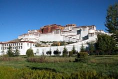 The magnificent Potala Palace in Tibet Horrible People, Adventure Holiday, Lhasa, Types Of Art, Tibet, Film Photography, Southeast Asia, Palace, Mansions