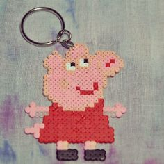 Peppa Pig keyring hama beads by laposadadelcoleccionista