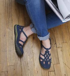 We love, love, love Jambu shoes! | 1000s of comfortable women's shoes reviewed at www.BarkingDogShoes.com