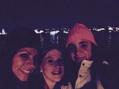 Newport Beach boat parade with isabella and her mom! #selfie