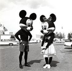 50's mickey mouse and minnie mouse characters at disneyland