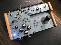 Unearthed Circuits DIY Drone Machine synth