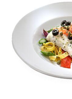 Gino's  Merluzzo alla Siciliana  Lomo de merluza a la plancha sobre cama de fettucine y acompañada de tomate en dados, espárragos...