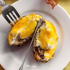 Baked Eggs in Stuffing Cups Thanksgiving Leftover Recipes, Holiday Recipes, Great Recipes, Thanksgiving Stuffing, Thanksgiving Leftovers, Christmas Recipes, Muffin Tin Recipes, Baking Recipes, Snack Recipes