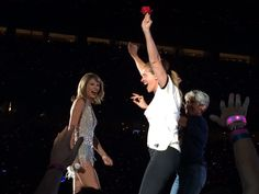 Taylor Swift with guests, Julia Roberts & Joan Baez, during style // 1989 Tour: Santa Clara (night two, 08.15.15)