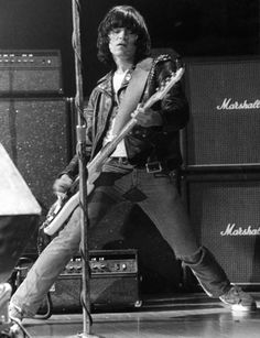 #DeeDeeRamone and his band brothers were inducted into The Rock and Roll Hall of Fame in 2002.
