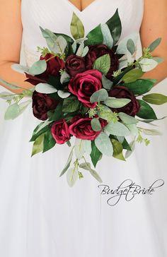 Burgundy Wedding Flowers, Burgundy Bouquet, Bridal Bouquet Fall, Winter Wedding Flowers, Fall Wedding Bouquets, Wedding Flower Arrangements, Flower Bouquet Wedding, Magenta Wedding, Flower Bouquets