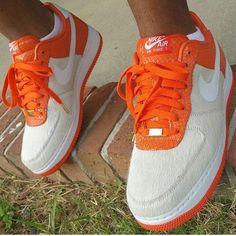 S/O to @jaysmoak in the Nike Air Force One Low.... #THESOLEFIRM #igsneakercommunity #sneakerhead #jordandepot #solenation #retrocgeezy #jaydastuntmane #j3rdgotsole #mrkickgameserious #luckycharmgang #tsfcanada #shoepopo #bmoresolez #thatdamcoachmack #lrkicksondeck #noopykicks  #igsneakers #ogjaywalker #nikeathleticdepartment #sneakfest #redrege2 #heatonfeetgang #coachvssole #sneakerporn #msdmvsole #instakicks #buckeyecitysole #sole_assassins_ #legsdontmatch #kickstagram Nike Shoes Air Force, Nike Air Force Ones, Nike Air Max, Girls Sneakers, Sneakers Fashion, Sneakers Nike, Hypebeast, Nike Wear, Nike Foamposite