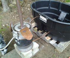 Picture of Homesteader wood fired hot tub Outdoor Tub, Outdoor Baths, Outdoor Bathrooms, Outdoor Showers, Ideas Cabaña, Stock Tank Pool, Rocket Stoves, Saunas, Whirlpool Bathtub