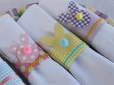Yvonne, this may work ♥ DIY Easter napkin rings Happy Easter, Easter Bunny, Easter Eggs, Easter Projects, Easter Crafts For Kids, Easter Party, Deco Table, Decoration Table, Easter Baskets