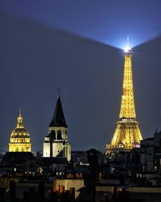 Paris by night. Photo: David Fossa.
