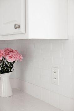Peel and Stick Faux Tile Backsplash in Rental Kitchen