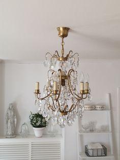 Walk In Closet, Chandelier, Ceiling Lights, Lighting, Decoration, Inspiration, Home Decor, Crystals, Decor