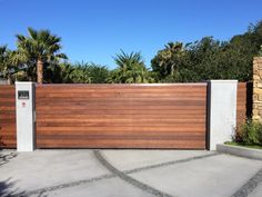 Perimeter Security Systems - A leading Automatic Gate/Doors installation & repair company. Installing, repairing and maintaining automatic gate openers and gate access control systems in Southern California USA.