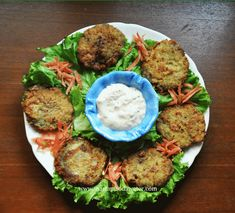 Step by step Aloo keema patties recipe / Aloo keema cutlets recipe with photos.Aloo (potato) keema (mince) patties are childhood delights. This is among most favourite Bohra iftar food. Indian Food Recipes, Gourmet Recipes, Healthy Recipes, Ethnic Recipes, Veg Recipes, Dessert Recipes, Kabab Recipe Pakistani, Pakistani Recipes, Kitchens