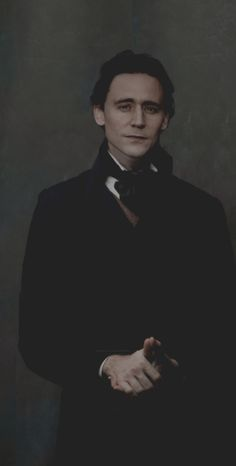 One influence on his appearance was early images of Tom Hiddleston in Crimson Peak. Tom Hiddleston Imagines, Tom Hiddleston Loki, Tom Hiddleston Crimson Peak, Tom Hiddleston Gentleman, Rpg Hogwarts, Thomas Sharpe, My Tom, Tom Hiddleton, The Avengers